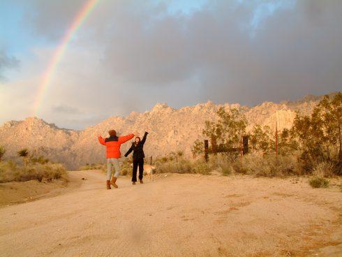 Mojave Bow Hug